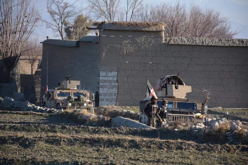 یک فرمانده طالبان با ۱۰ جنگجویش در سرپل کشته شد