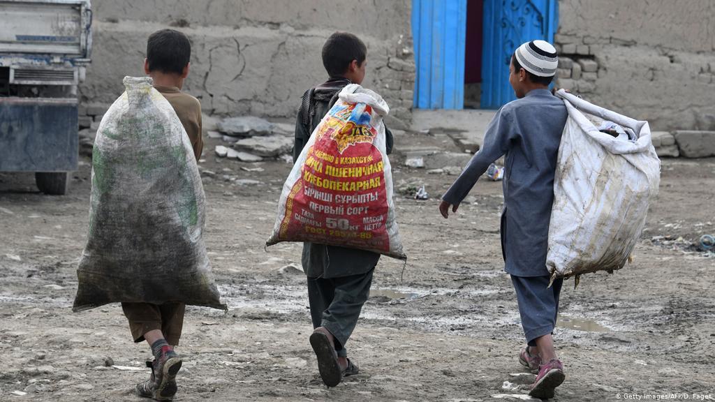 کمیسیون حقوق بشر: یک بر سوم حصۀ شهروندان افغانستان از دسترسی به حقوق اساسی محروم هستند