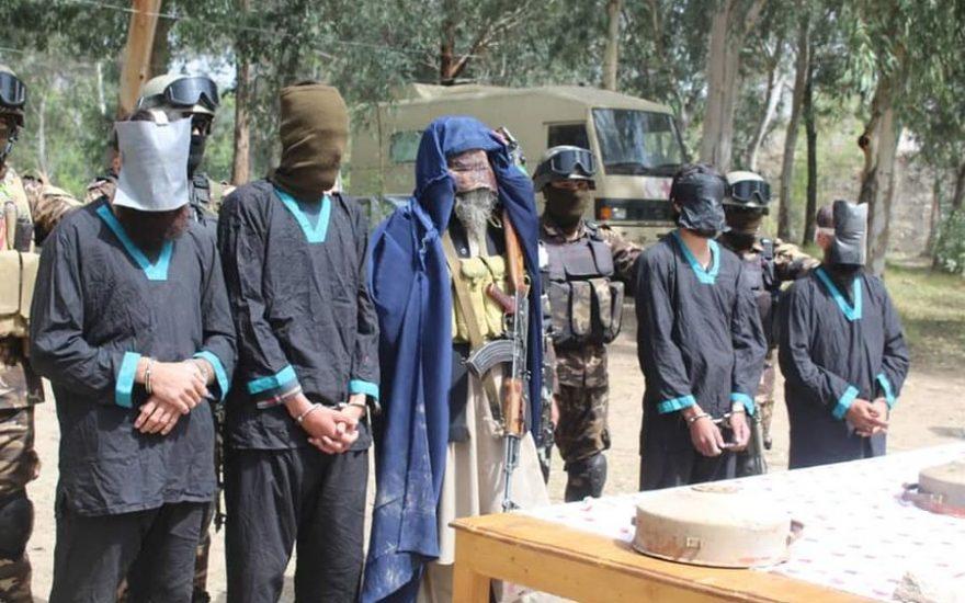 طالبان لباس زنانه